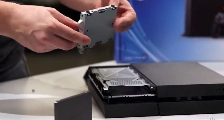 PlayStation 4 HDD SSD
