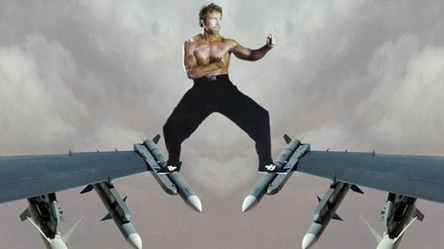 Chuck Norris epic split spargat
