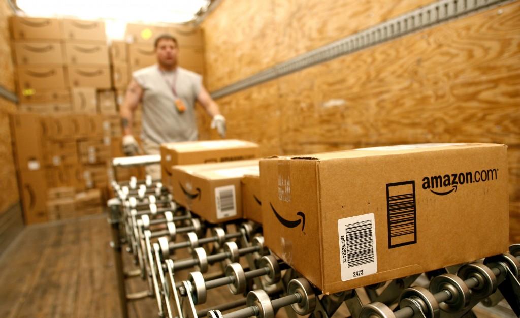 Amazon va începe să livreze pachetele înainte ca produsele să fie vândute