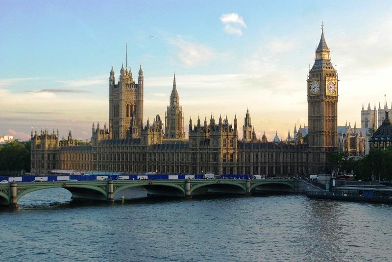 Londra va avea în curând senzori de parcare inteligenți