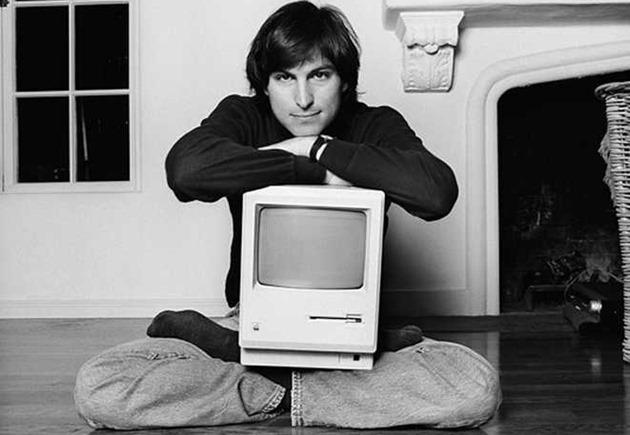 apple-is-celebreaza -30-years-of-the-mac macintosh