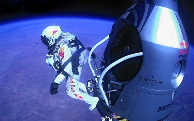 Noua reclamă la camere GoPro ne aduce aminte de Felix Baumgartner [VIDEO]