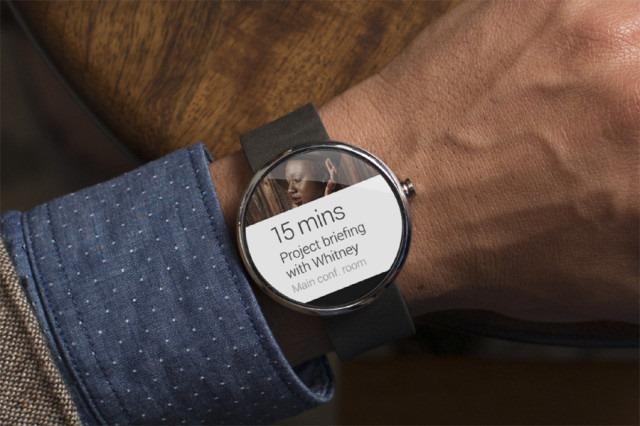 Greu de crezut, ceasurile Android Wear nu vor rula aplicaţii