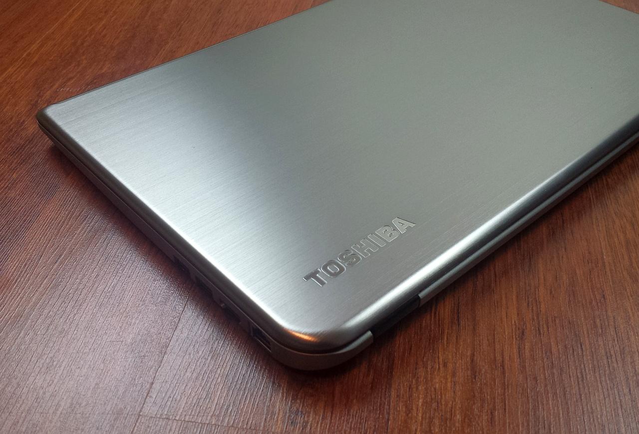 Toshiba Satellite U50t-A-100 – Notebook cu touchscreen [REVIEW]