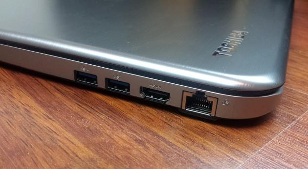Toshiba Satellite U50t-A-100 review (2)