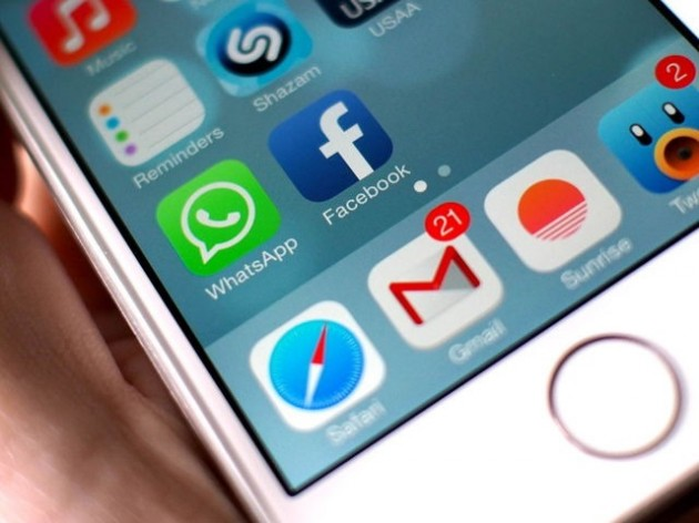 facebook whatsapp baterie iphone