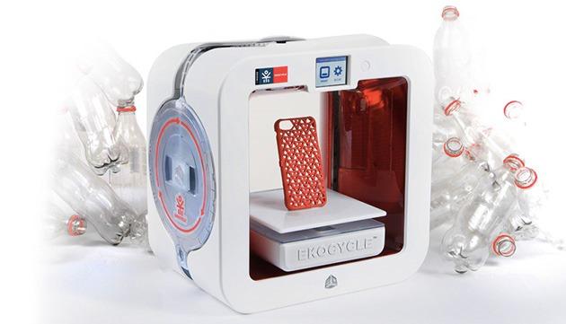 Imprimanta 3D Ekocycle Cube funcţionează cu… peturi de Coca-Cola