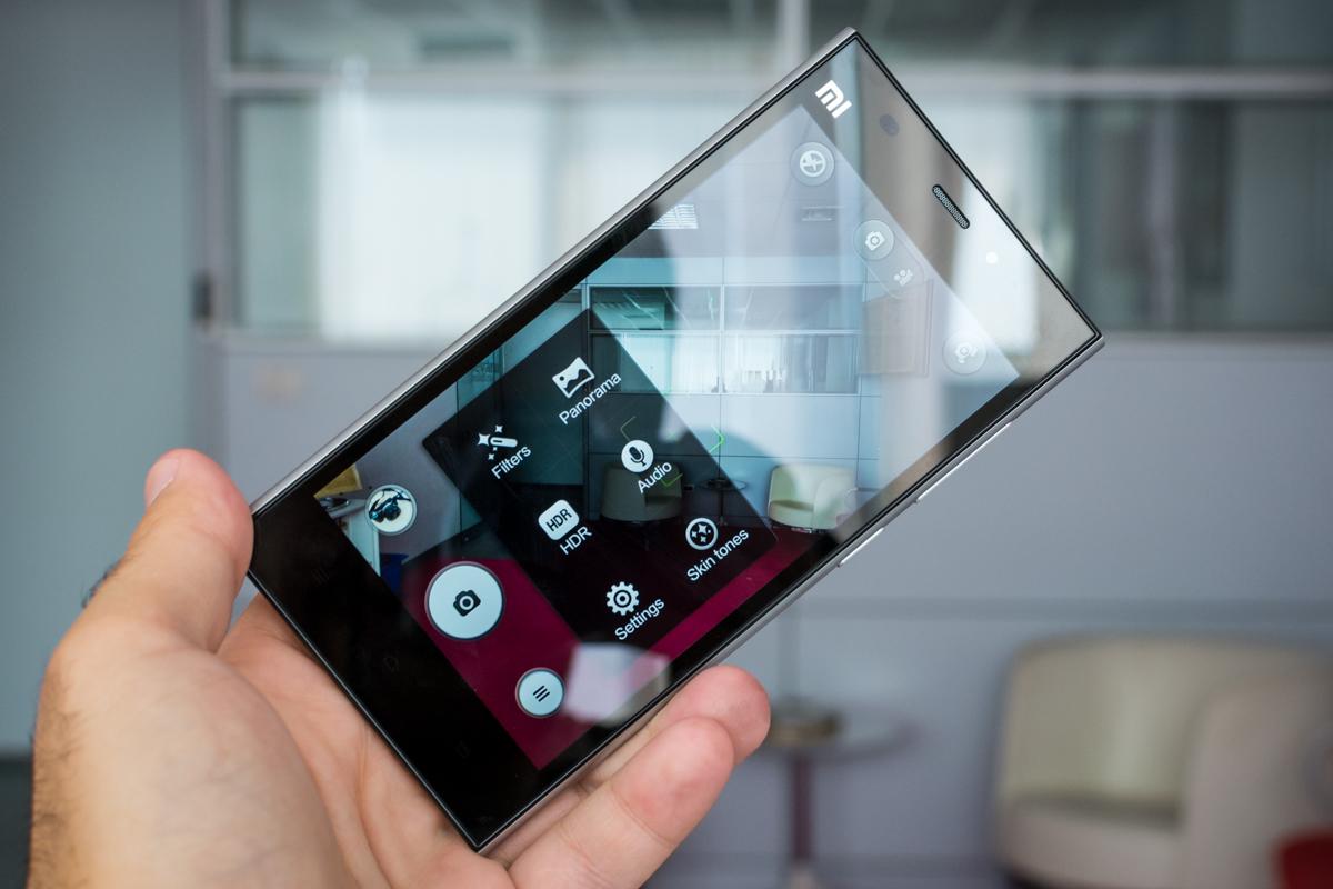 Xiaomi ar putea lansa un smartphone cu ecran din cristal de safir