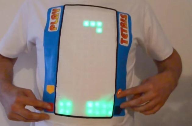 A apărut tricoul interactiv pe care vă puteţi juca Tetris [VIDEO]