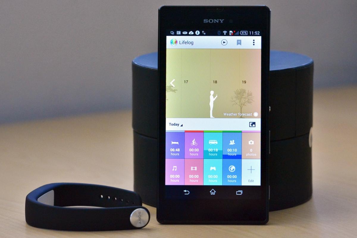 IFA 2014 – Sony pregăteşte ceasul inteligent Smartwatch 3 şi brățara Smartband Talk