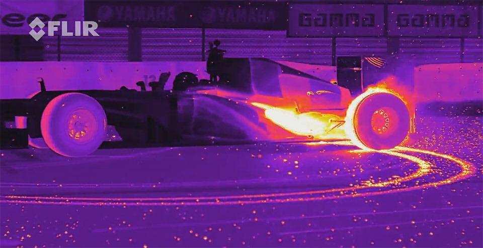 Camera cu infraroşu FLIR X6580sc, promovată cu o mașină de Formula 1 [VIDEO]