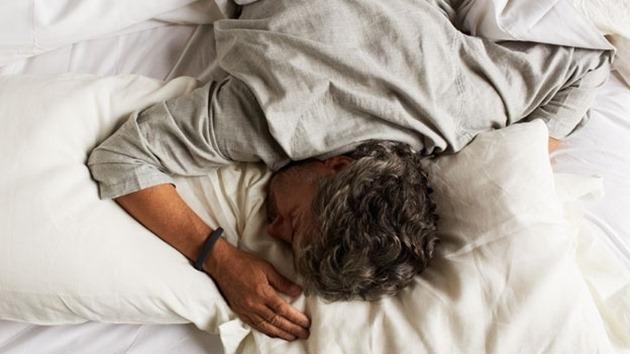 xl_jawbone-up-sleep-tracke gadget purtabil studiu somn