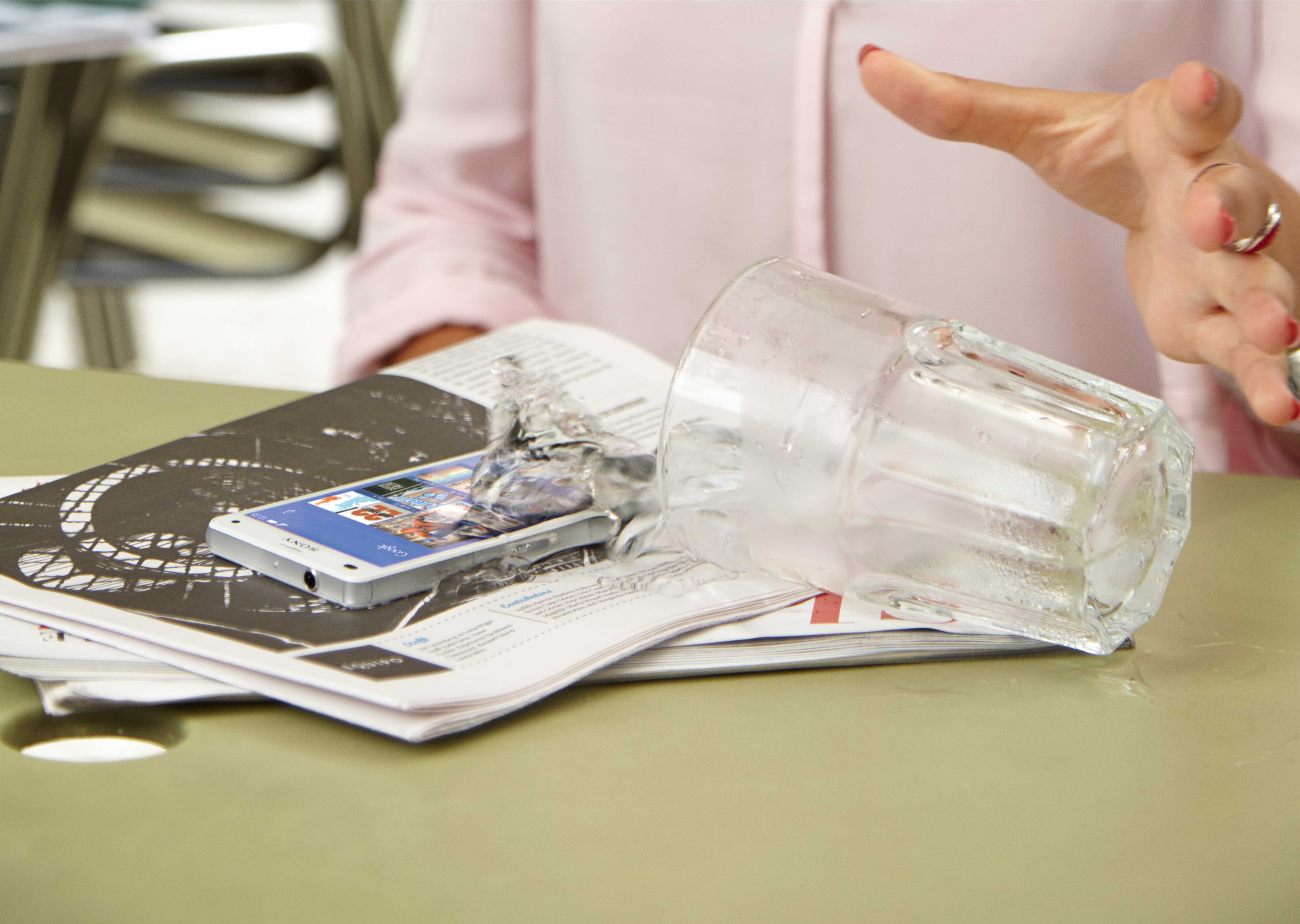Sony Xperia Z3 și Xperia Z3 Compact – cea mai puternică frăție [VIDEO]