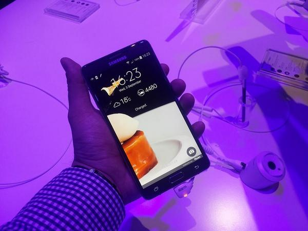 Cu mâinile pe Samsung Galaxy Note 4 [VIDEO Hands-on]