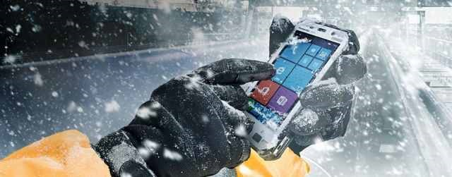 Panasonic Toughpad FZ-E, un smartphone uimitor de rezistent