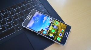 Samsung Galaxy S6 ar putea fi lansat alături de un smartwatch rotund, în luna martie