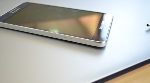 Samsung Galaxy Alpha – metalul cu păcate [REVIEW]