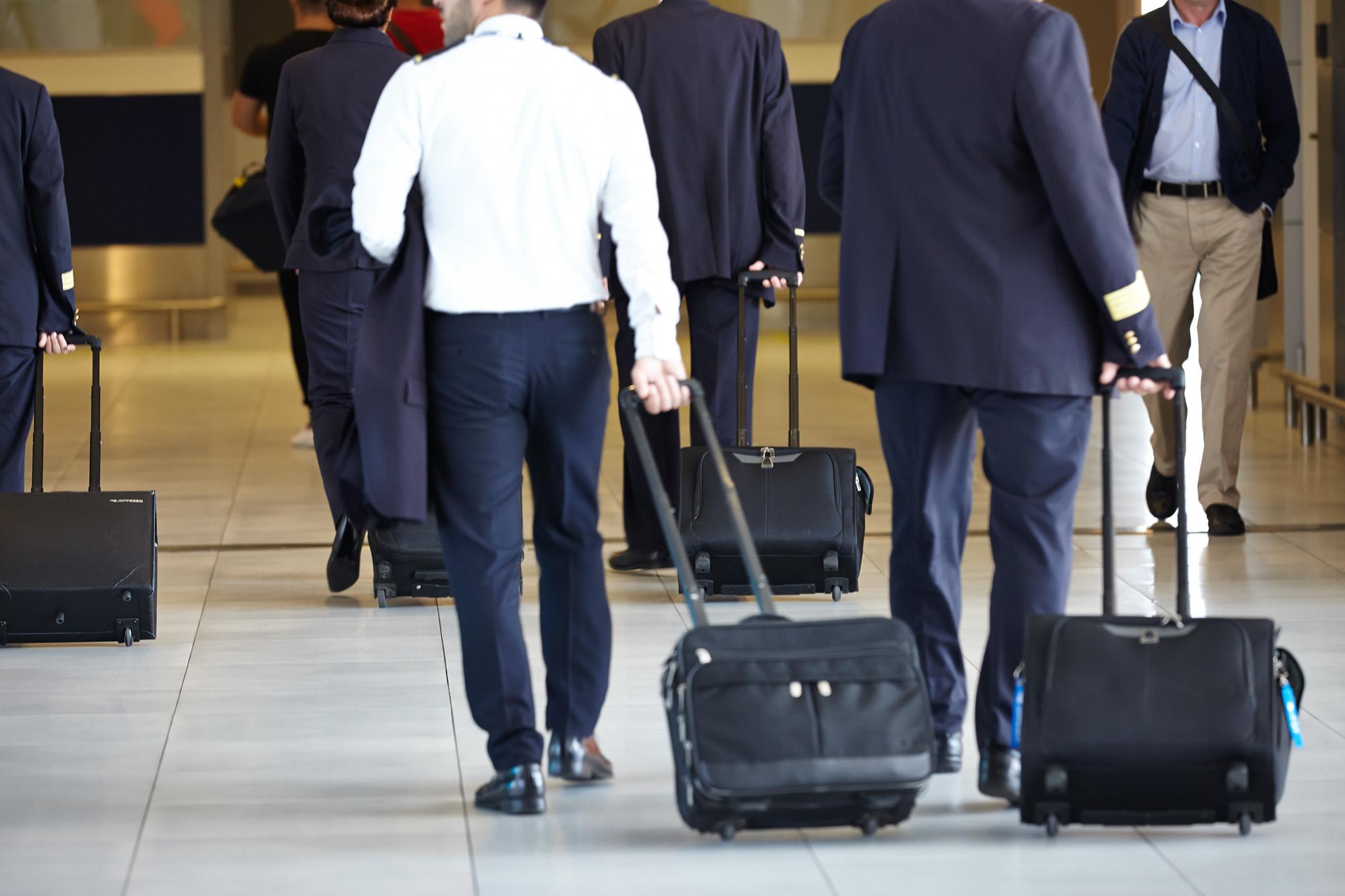Henri AppPort este prima aplicație pentru un aeroport din România