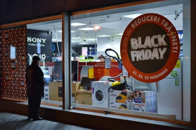 Black Friday la Flanco, reportaj Playtech (15)