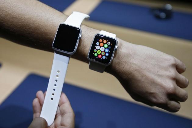 Apple Watch: două dimensiuni pentru un prim experiment purtabil al Apple. FOTO NBCNews
