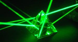 Laser, frate! Microsoft propune o tehnologie futuristă pentru reîncărcarea telefoanelor