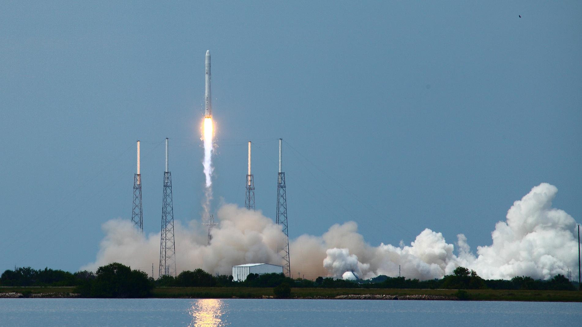 space x google cape canaveral launch falcon 9 elon musk 11