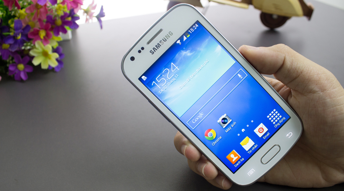 Samsung S7580 Trend Plus top telefoane cu pret pana in 400 de lei