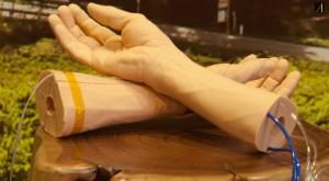 Google lucrează la o brățară care ți-ar putea salva viața pe viitor
