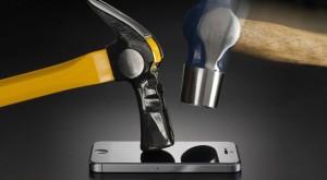 Telefoane rezistente și durabile: patru modele care fac față șocurilor și apei
