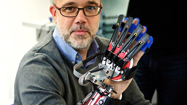 SCRIPT-robot-hand