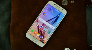 Samsung Galaxy S6 îşi enervează utilizatorii prin ferestre pop-up de care nu scapi [VIDEO]