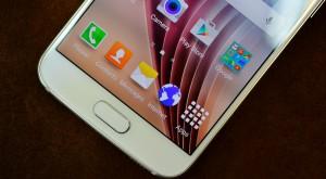 Cât vorbești la telefon: ANCOM arată că vorbim mai mult și trimitem mai multe SMS-uri