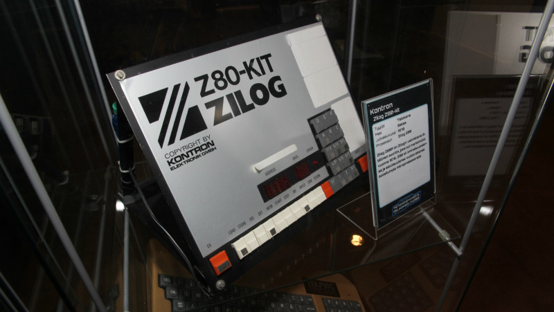 apple intel zilog companie exxon 1