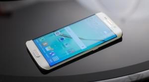 Samsung pregăteşte un Galaxy S6 dual sim