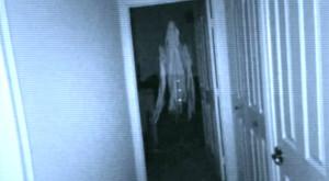 Jocul pentru mobil care îți transformă casa într-o scenă din filme horror [VIDEO]