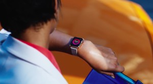 Apple Watch te irită, la propriu, și Apple susține că problema nu e atât de gravă