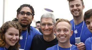Apple oferă salarii uriașe chiar și stagiarilor: venituri peste media Statelor Unite