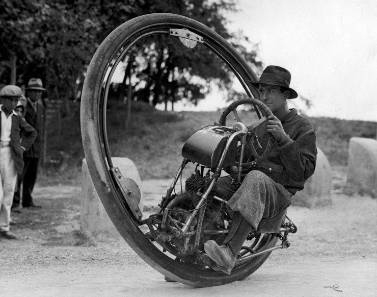 motocicleta cu o singura roata