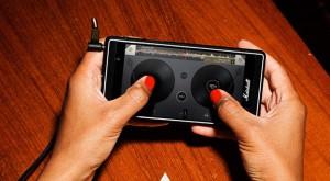 Marshall lansează un telefon care te va face să uiți că există un iPod nou