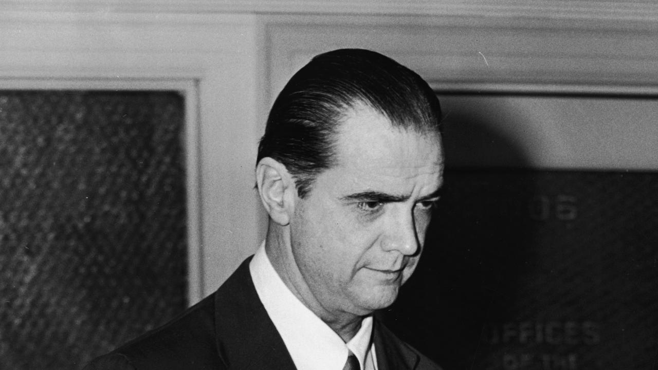 American industrialist, aviator, and film producer Howard Hughes (1905 - 1976) at court during a legal case involving the screenwriter Paul Jarrico, who had been fired from RKO Studios (Hughes' company) following an investigation by the House Un-American Activities Committee, Los Angeles, California, 1952. (Photo by Hulton Archive/Getty Images)