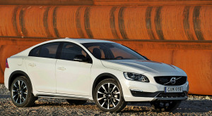 Volvo are un nou SUV care să te încânte: S60 Cross Country