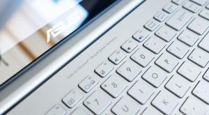 eMAG: laptopuri ultraportabile ASUS cu prețuri bune