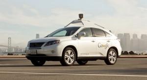 Cum te va ajuta Google să eviți gropile din șosea