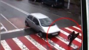 Halucinant! De ce șoferii chinezi omoară intenționat pietonii loviți