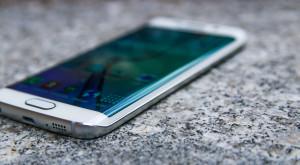 Samsung Galaxy S7 ar putea avea două camere foto pe spate