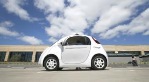 """Google """"fură"""" oameni din industria auto pentru a scoate mașinile fără șofer pe străzi"""