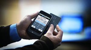Românilor nu le mai este frică să plătească de pe mobil
