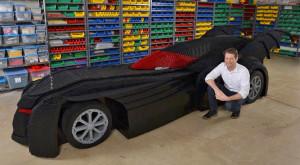 Omul care și-a construit un Batmobil din piese lego