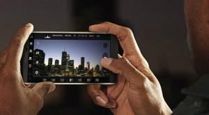 LG a lansat un telefon premium cu două ecrane