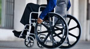 Un bărbat paralizat și-a mișcat brațul cu ajutorul unui implant în creier